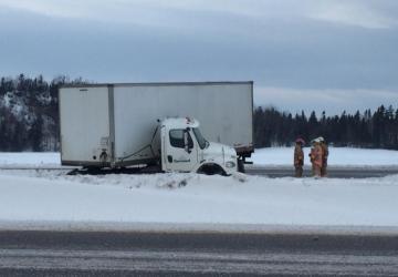 Un camion perturbe la circulation sur l'A-20
