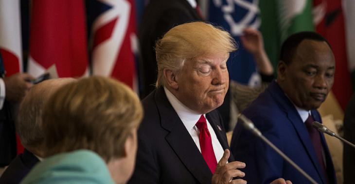 Trump remet de l'huile sur le feu