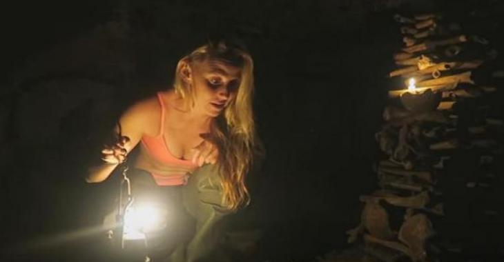 Cette fille visite les Catacombes de Paris et les images donnent la frousse!