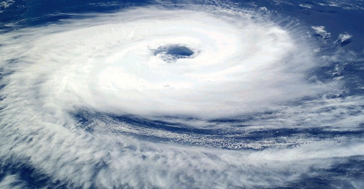 Quatre personnes perdent la vie dans un ouragan destructeur
