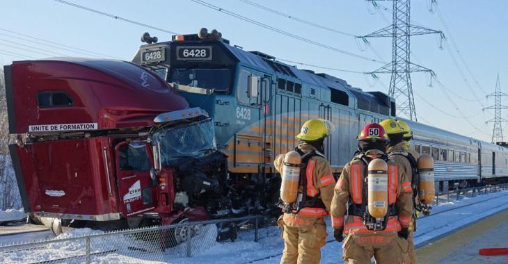 Accident entre un train de VIA Rail et un camion