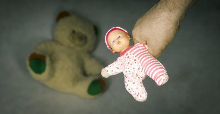 Une gardienne accusée d'avoir violenté un bébé