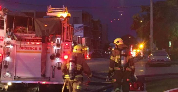 Un incendie sévit dans une résidence
