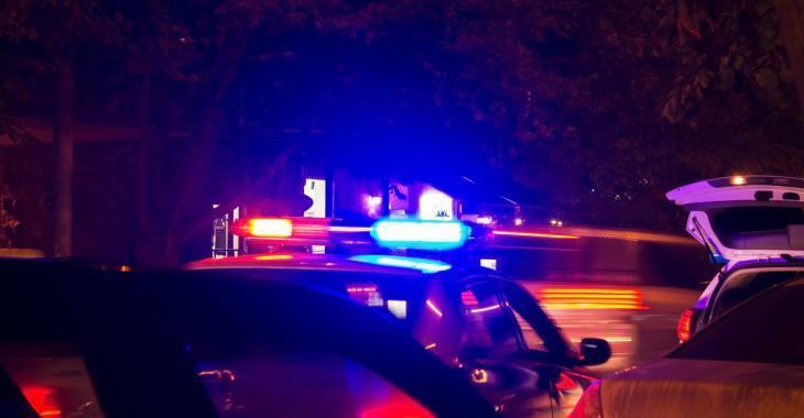 Deux hommes poignardés en sortant d'un bar