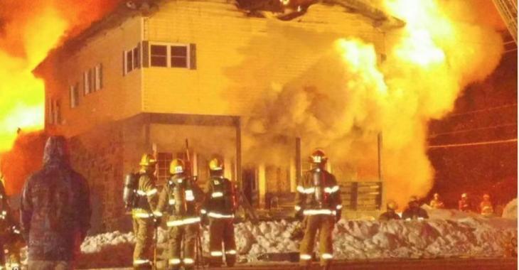 Un grave incendie ravage un bâtiment patrimonial
