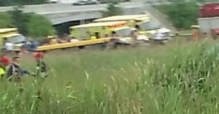 Un accident impliquant un autobus scolaire fait plusieurs blessés