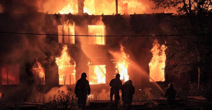 Un Québécois de 28 ans arrêté suite à un incendie mortel