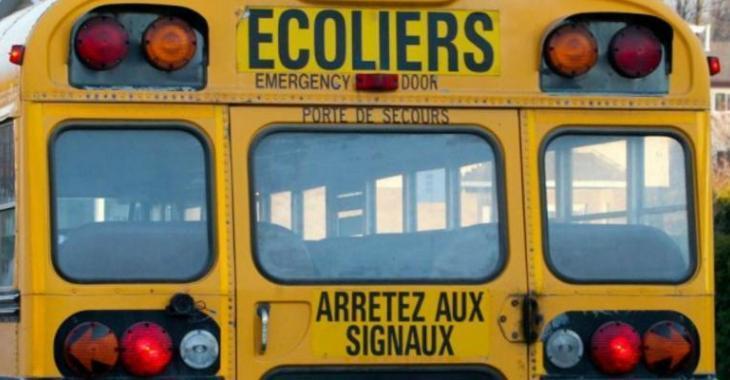 Violente collision entre un autobus scolaire et une voiture à Saint-Sauveur