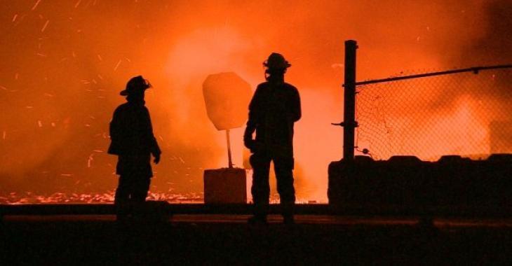 Grave incendie   Une centaine de pompiers sur place