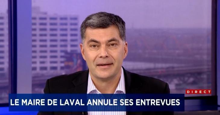 Mario Dumont PÈTE UNE COCHE en ondes