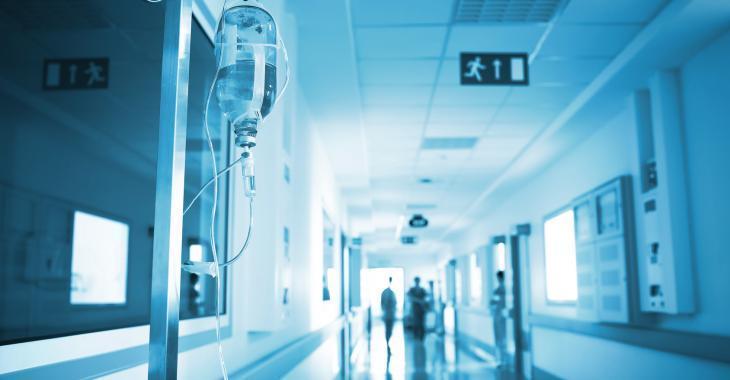 Un hôpital flambant neuf infesté de moisissures