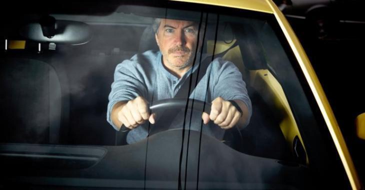 Un Québécois forcé d'habiter dans sa voiture en attendant le chômage.