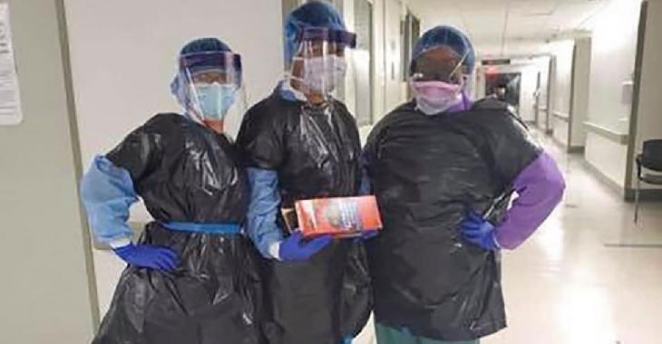 Des infirmières d'un hôpital de New York obligées de se protéger avec des sacs poubelle
