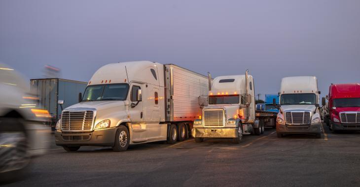 De nombreuses aires de repos interdisent l'accès aux toilettes aux camionneurs par peur du virus.