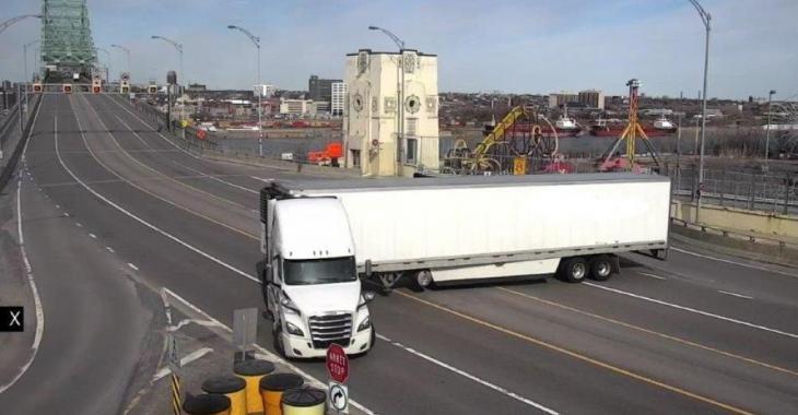 Un camionneur insoucieux décide de faire demi-tour sur le pont Jacques-Cartier.