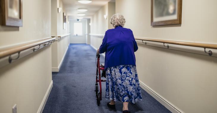 Venu prêté main forte dans un CHSLD, il contamine des employés et des patients