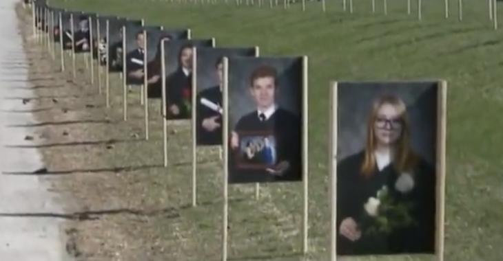 Une école secondaire de Sherbrooke organise une haie d'honneur pour ses finissants.
