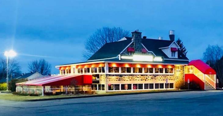 Laurent Proulx suspend son projet concernant la réouverture de sa terrasse.
