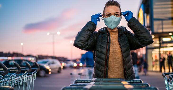 Les masques sont mal portés et peu utilisés, critiquent des experts