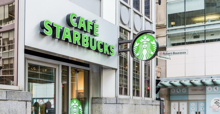 Starbucks pourrait fermer jusqu'à 200 cafés au Canada.