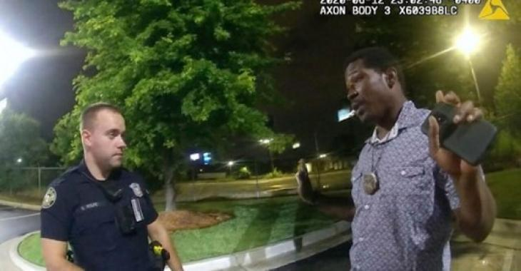 L'officier d'Atlanta qui a mortellement abattu Rayshard Brooks est accusé de meurtre.