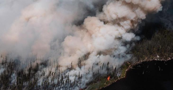 L'incendie au nord du Lac-Saint-Jean est toujours hors de contrôle