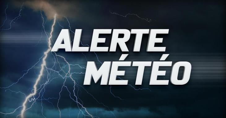 De nombreuses parties du Québec toujours menacées par un risque d'orages violents.