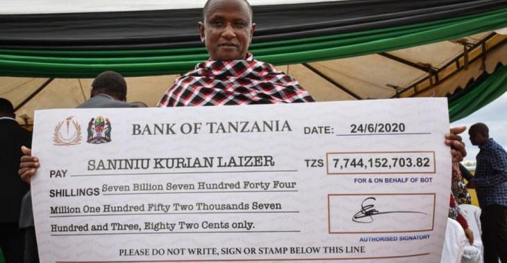 Un mineur de la Tanzanie devient millionnaire après avoir découvert deux pierres précieuses.