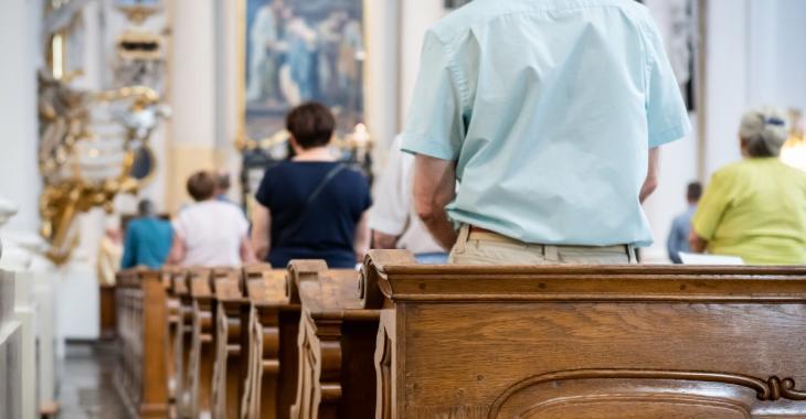 Les églises forcées de refuser des fidèles à l'entrée pour la messe