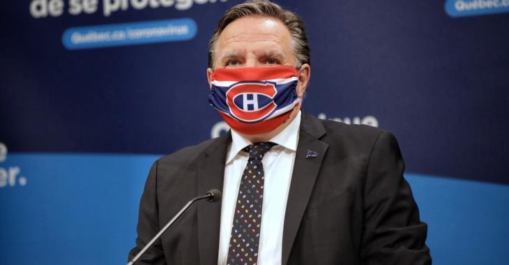 Legault affirme ne pas exclure de rendre le masque obligatoire à l'extérieur de Montréal