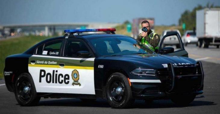 Une voiture intercepté par la SQ à 150 km/h avec deux ados dans le coffre.