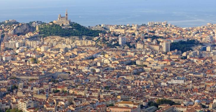COVID-19: Le nombre de cas double tous les 2 jours à Marseille