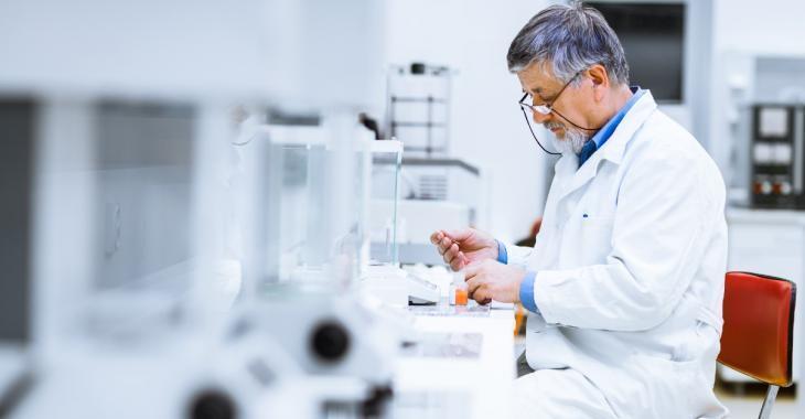 Un médicament diminuerait de 79% le risque de développer une forme sévère de la COVID-19