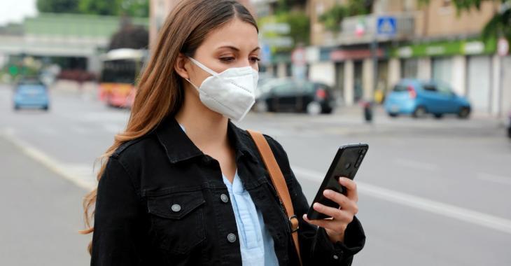 Le port du masque à l'extérieur peut maintenant être imposé en France