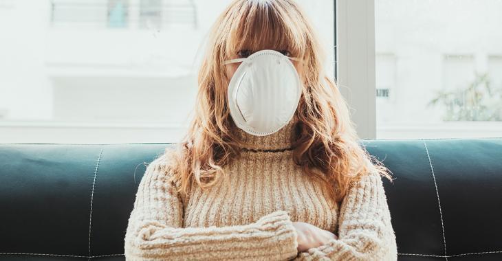 Le port du masque à la maison devrait être envisagé selon une experte américaine