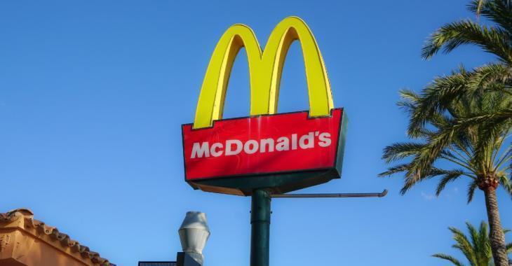 McDonald's poursuit son ex-patron pour des relations inappropriées avec des employés