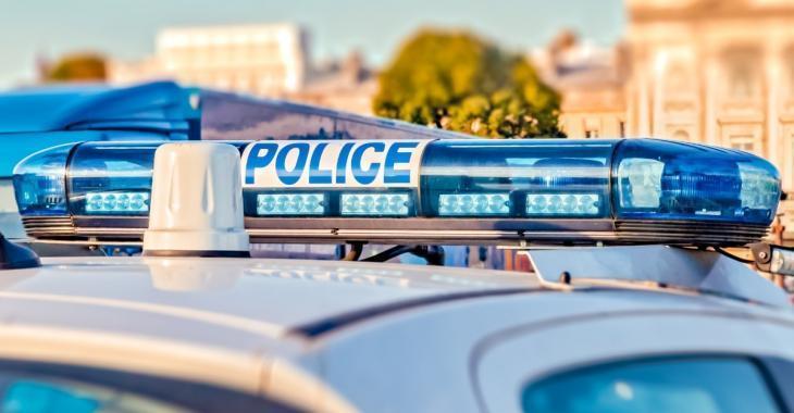 Trois policiers agressés à coups de barre de fer lors d'une interpellation