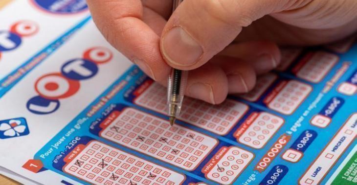 Il gagne deux millions d'euros en se trompant de numéro à la loto