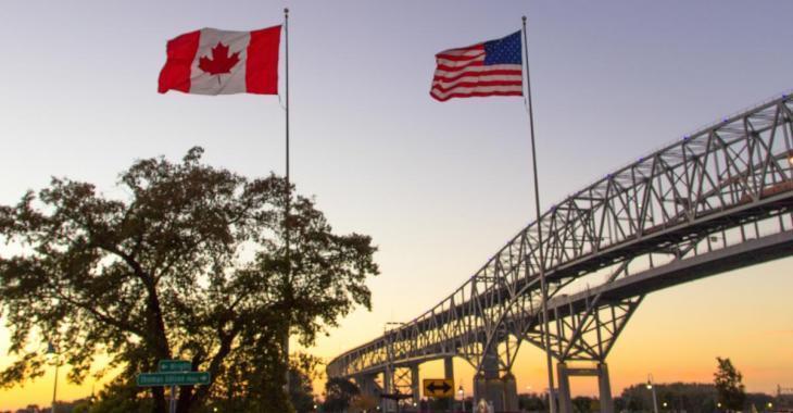 Des milliers d'Américains tentent toujours d'entrer au Canada pour magasiner ou s'amuser