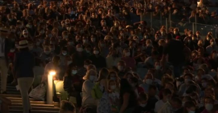 Puy du Fou: un événement avec 9 000 spectateurs suscite l'indignation en France