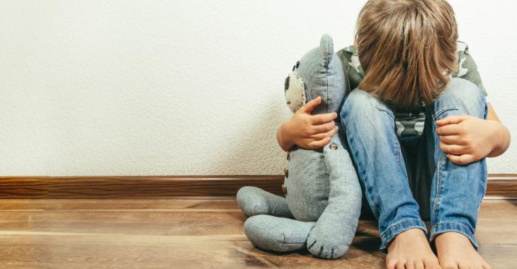Un enfant de 8 ans confié à son père alcoolique et violent plutôt qu'à sa mère