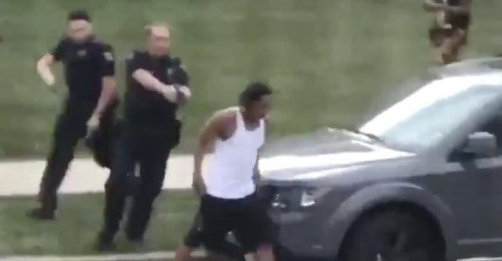 La police tire 7 fois dans le dos d'un homme noir devant ses enfants