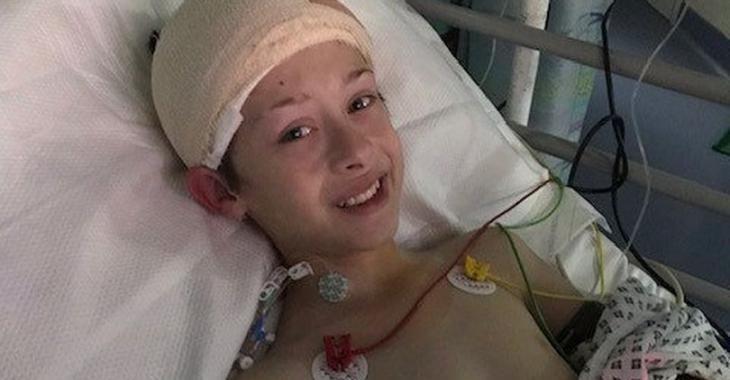 Une mère apprend que son fils de 12 ans souffre d'un cancer, quelques semaines après le décès de son frère jumeau