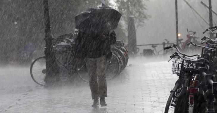 Le Québec évite l'ouragan Laura, mais l'été se terminera sous la pluie.