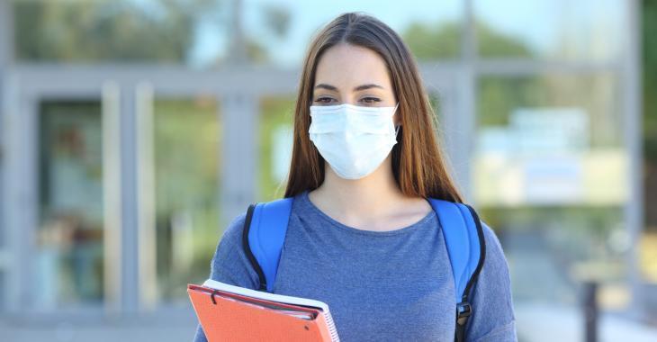 Le ministère de la Santé ne prévoit pas encore dévoiler les données sur les cas d'éclosions en milieux scolaires.