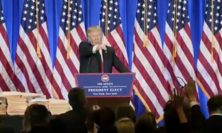Trump s'en prend directement à un journaliste de CNN