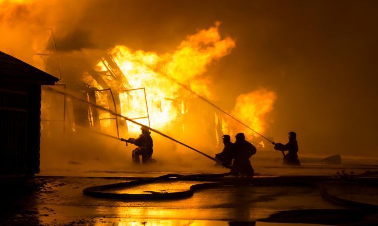 Une ferme ravagée par un violent incendie